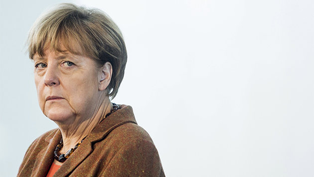 Diez años después, Merkel se queda sola