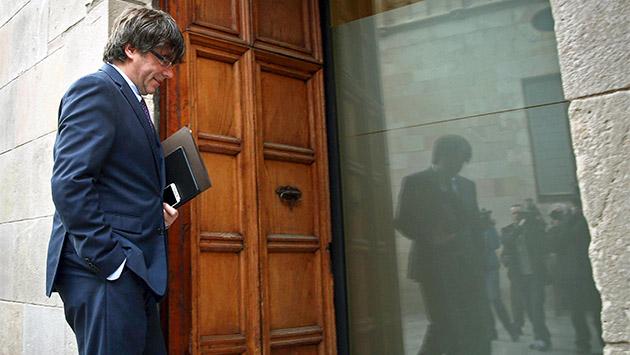 Puigdemont frena la reivindicación aunque mantiene la retórica