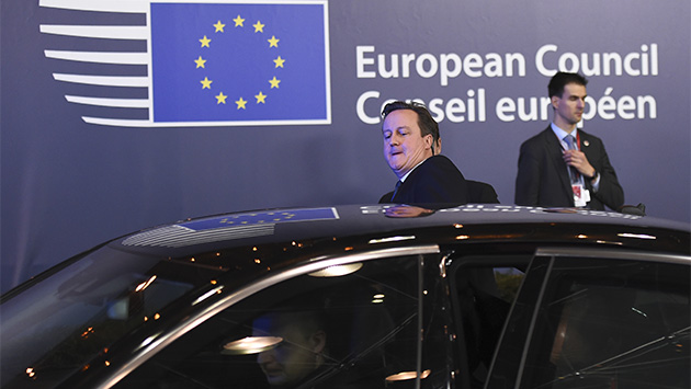 Cameron se la juega en Europa