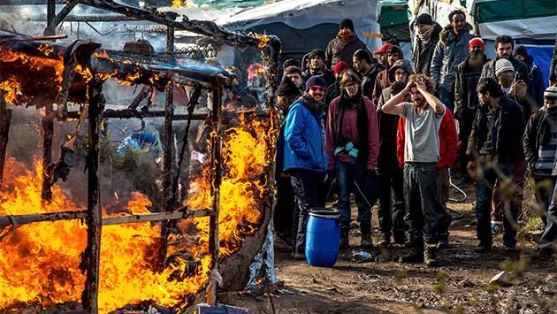 Calais, rendirse o seguir hasta el final