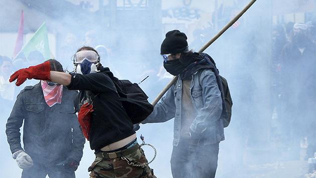 La reforma laboral provoca el 15-M francés contra Hollande