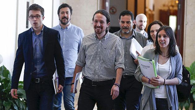 Podemos presiona al PSOE con su consulta