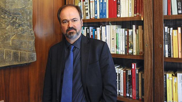 Juan Villoro. «Me interesa más la gente que está en tensión con su país»