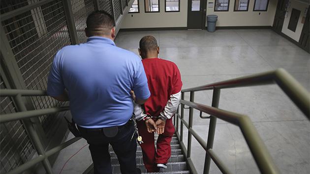 El oscuro negocio de las cárceles privadas en EE.UU.