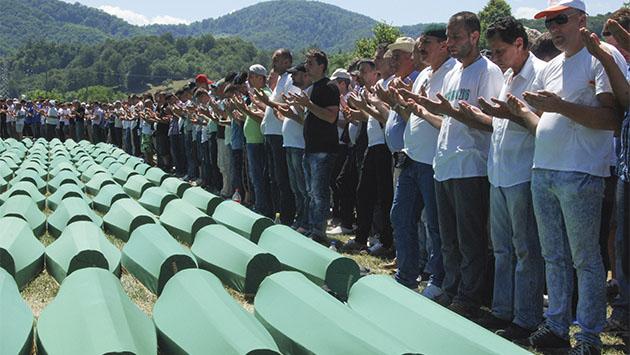 Srebrenica sigue llorando a sus muertos