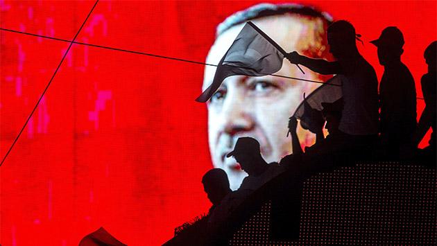 La lucha por el poder entre Erdogan, Gülen y el Ejército