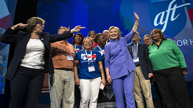 El universo de estrellas demócratas arropa a Hillary