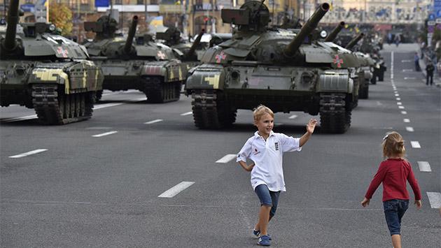 Juegos de guerra ahogan la paz en Ucrania