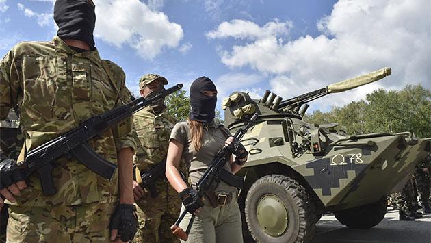 Las mujeres soldado pelean sus conquistas en Ucrania