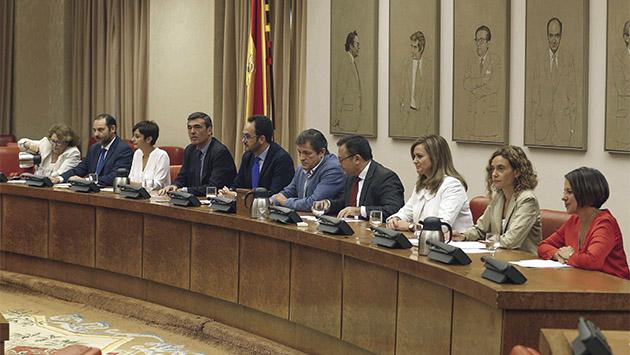 El PSOE camina hacia la abstención
