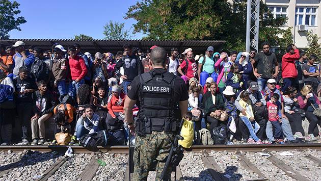La crisis de los refugiados incendia Europa del Este